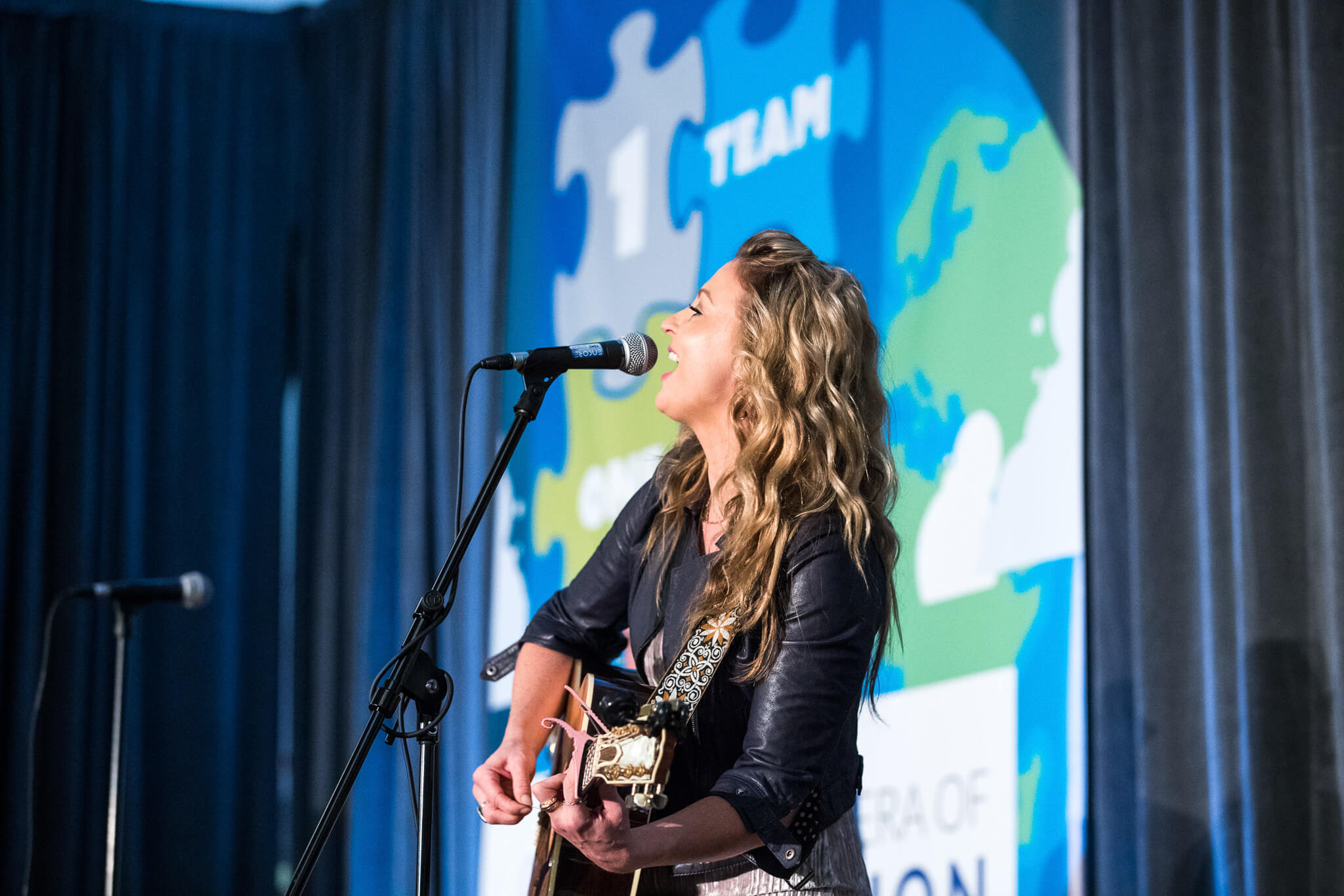 Karen Waldrup Country Musician